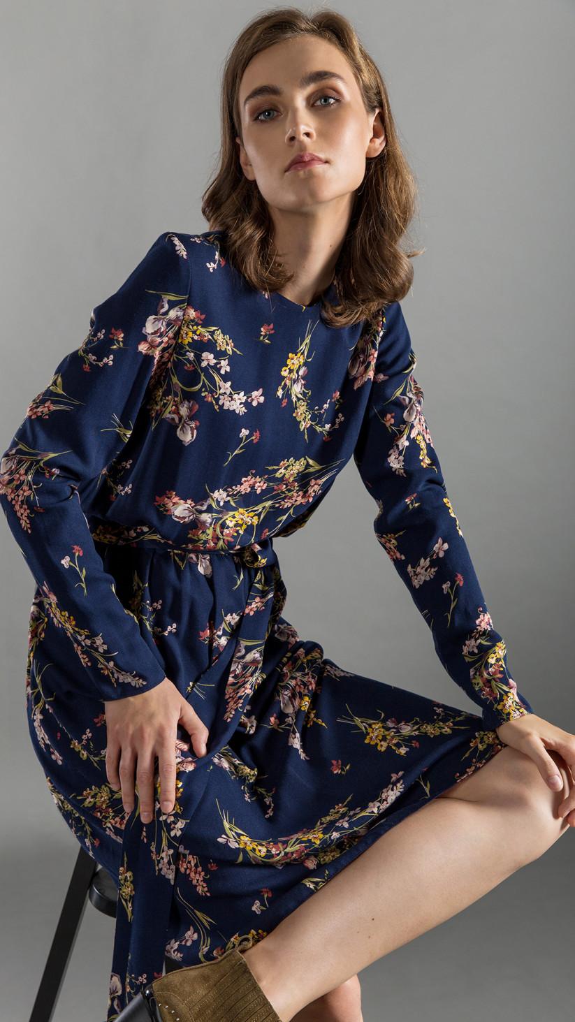 Sukienka Amelia | Kwiecisty Granat | Klasyczna sukienka, o luźnym kroju wiązana w pasie