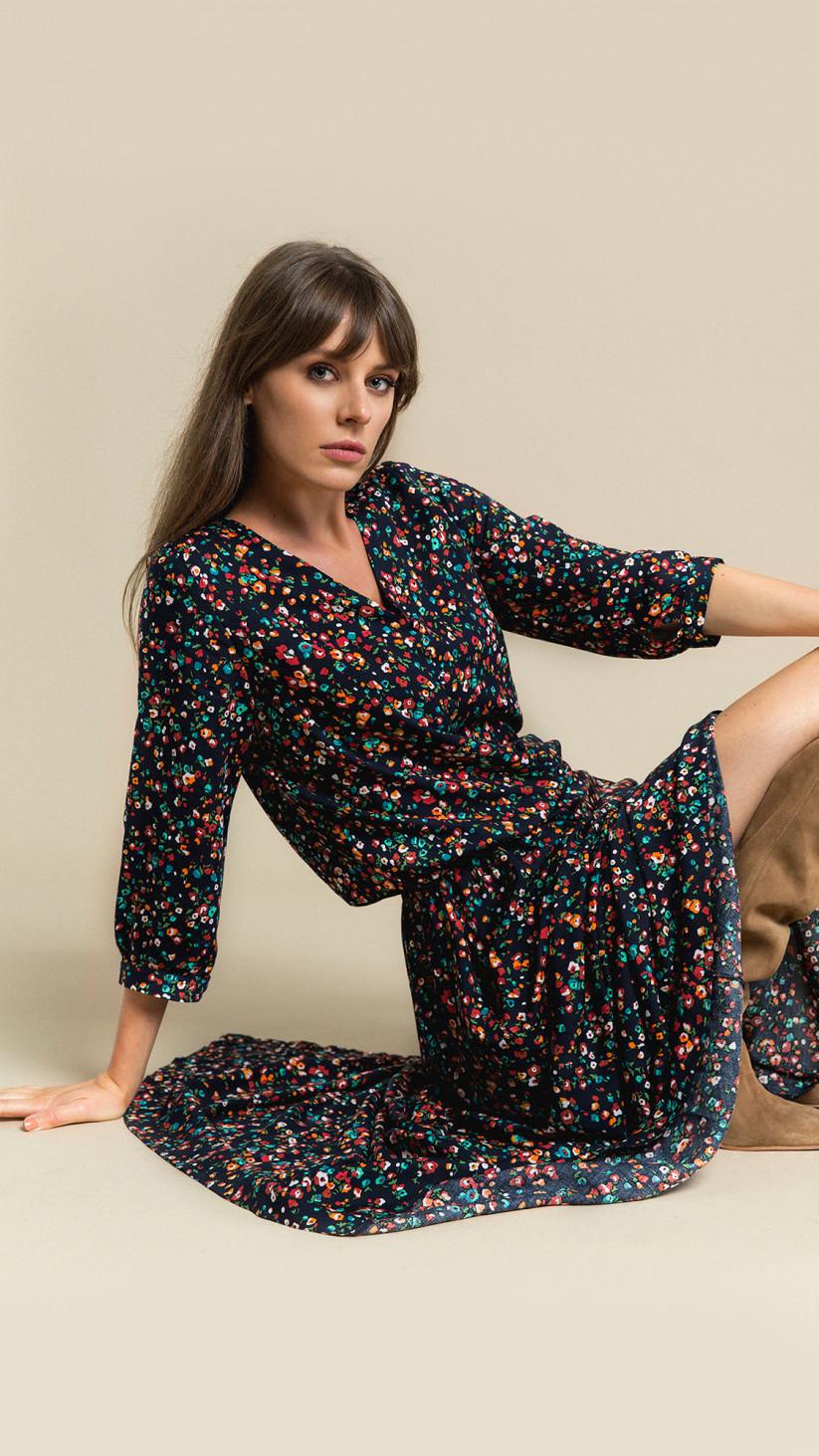 Sukienka Lana | Granat Multikolor | Rozkloszowana maxi z rozporkiem i rękawem 3/4
